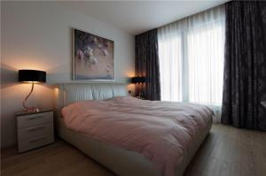卧室床实拍图
