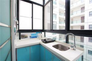 单间改造阳台改厨房效果图