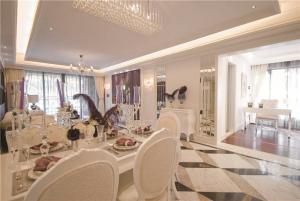 家装餐厅餐桌