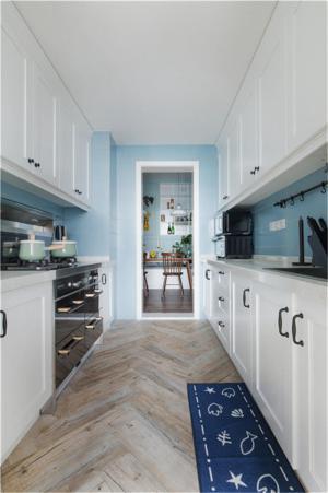 现代好看的厨房整体橱柜