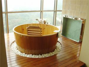 现代简约阳台卫浴