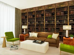 复古客厅书柜墙