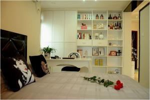 简约卧室书柜