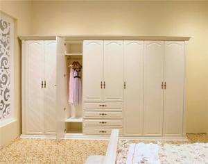 公寓家具衣柜