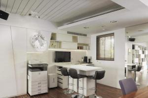 开放式厨房隐形门吧台设计装修