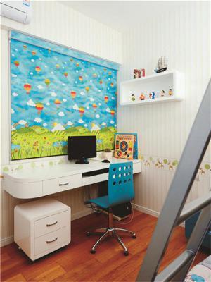窗边设计小孩书房装修效果