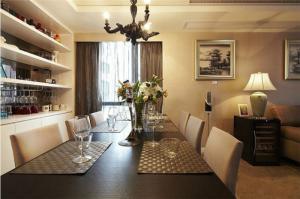 客厅酒柜装修空间布置