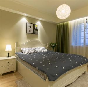 卧室二层床底下收纳