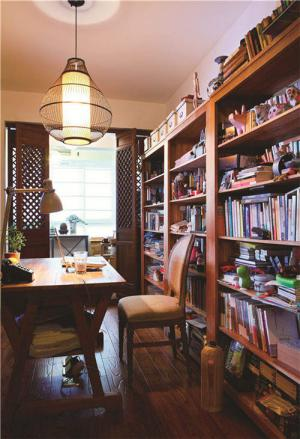 小户型客厅书柜工作室搭配
