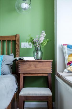 卧室床床头柜
