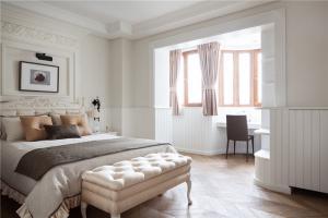 板式卧室装饰柜