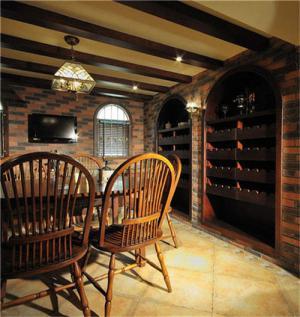 地下室中式酒柜