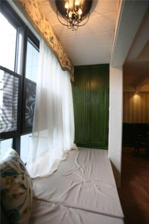 客厅阳台装修效果图榻榻米布置