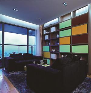 创新设计撞色搭配客厅书柜墙