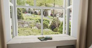 小阳台改卧室效果图榻榻米床设计