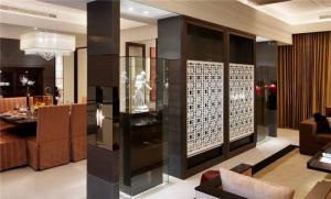 小户型客厅隔断柜设计