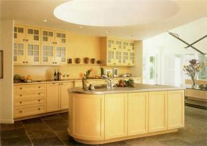 别墅厨房的实用橱柜