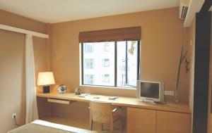 小卧室飘窗阳光书房装修效果图