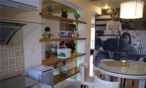 餐厅实用厨房酒柜装修效果