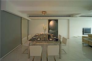 现代客厅小餐桌