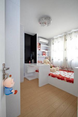 儿童房飘窗榻榻米床