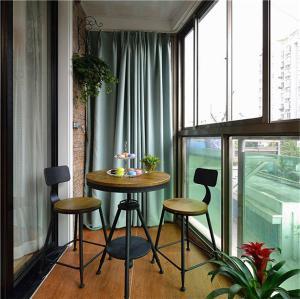 阳台装饰高脚凳