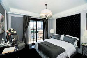 豪华带飘窗的卧室装修