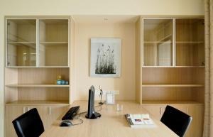 办公领地多功能书房装修效果图