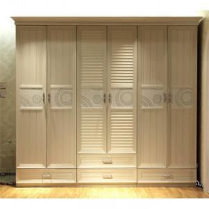 新式衣柜样板间
