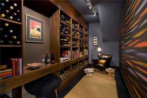 公寓深色现代风格酒柜