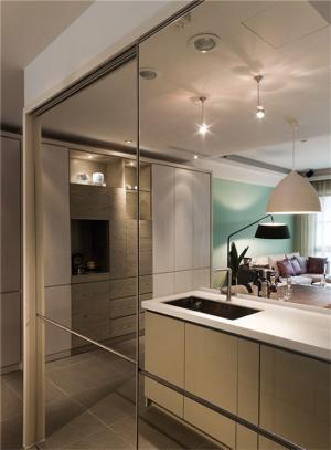 65平小户型装修厨房镜子