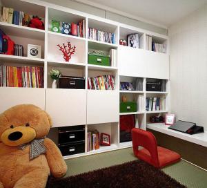中式风格儿童房书柜书桌装修