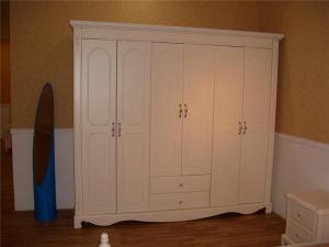 欧式象牙白衣柜