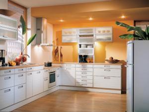 白色整体橱柜厨房家具图片