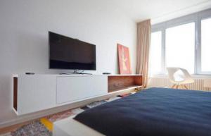 卧室电视背景墙电视柜