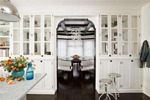 现代厨房隔断柜