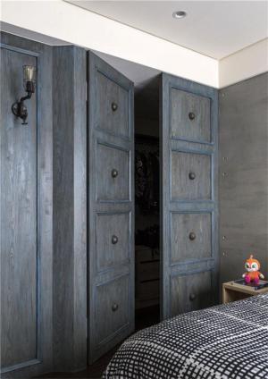 小户型家居复古衣柜