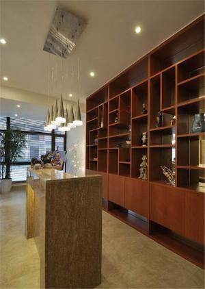 气派木质现代酒柜