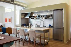 厨房吧台开放式书房装修效果图
