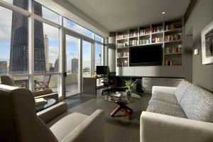 高层现代书房装修效果图