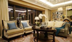 新古典风格沙发摆放