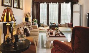 家装小客厅茶几