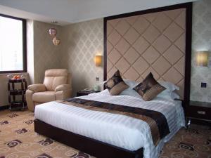 软包卧室床