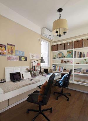 美式书房装修效果图深褐色地板