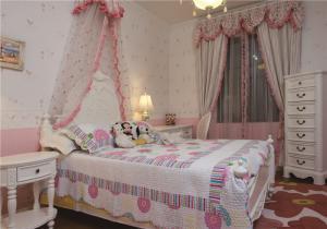 小卧室床整体设计