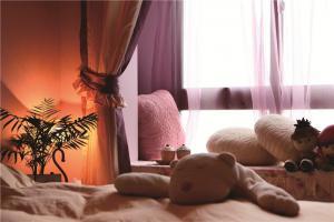 卧室地台床装修效果图装饰