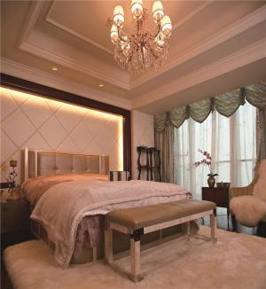 小户型飘窗卧室设计