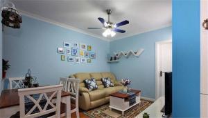 客厅沙发布局装饰