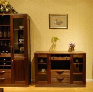 简约现代风格餐边柜装饰