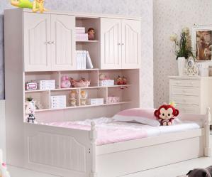小卧室床卡通粉色